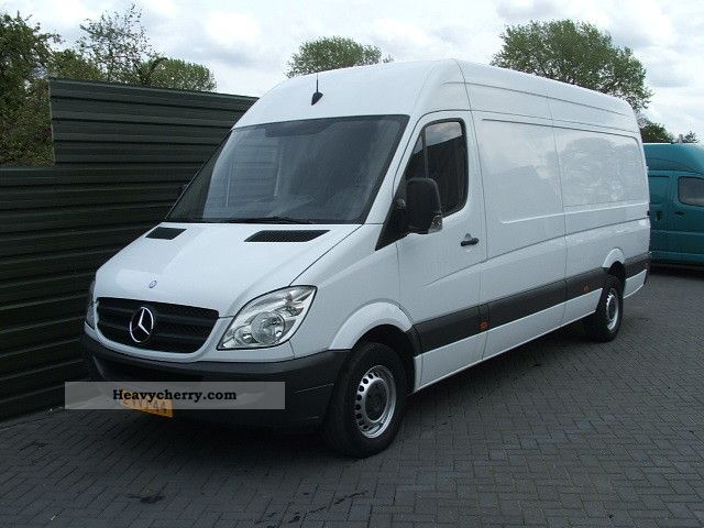 Mercedes-Benz Sprinter 511 2011 photo - 4