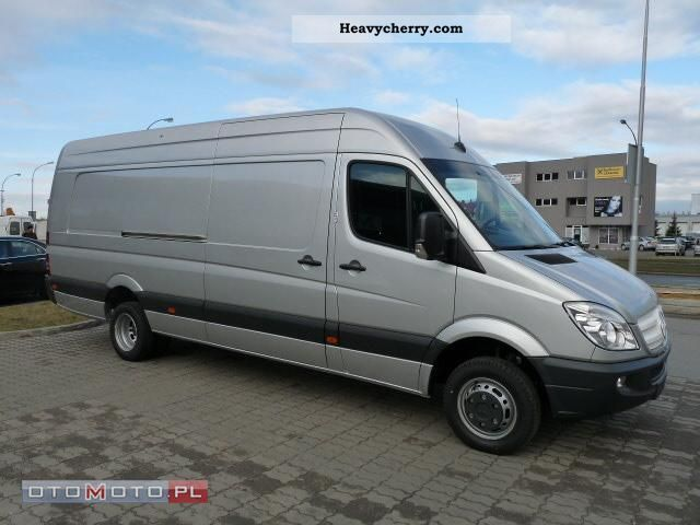 Mercedes-Benz Sprinter 519 2011 photo - 3
