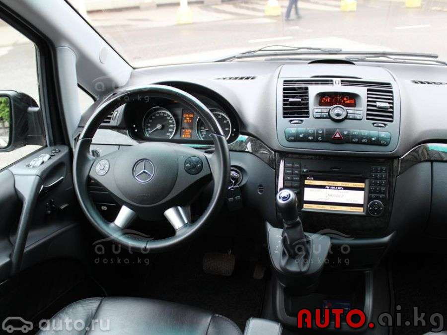 Mercedes-Benz Viano 3.5 2013 photo - 10