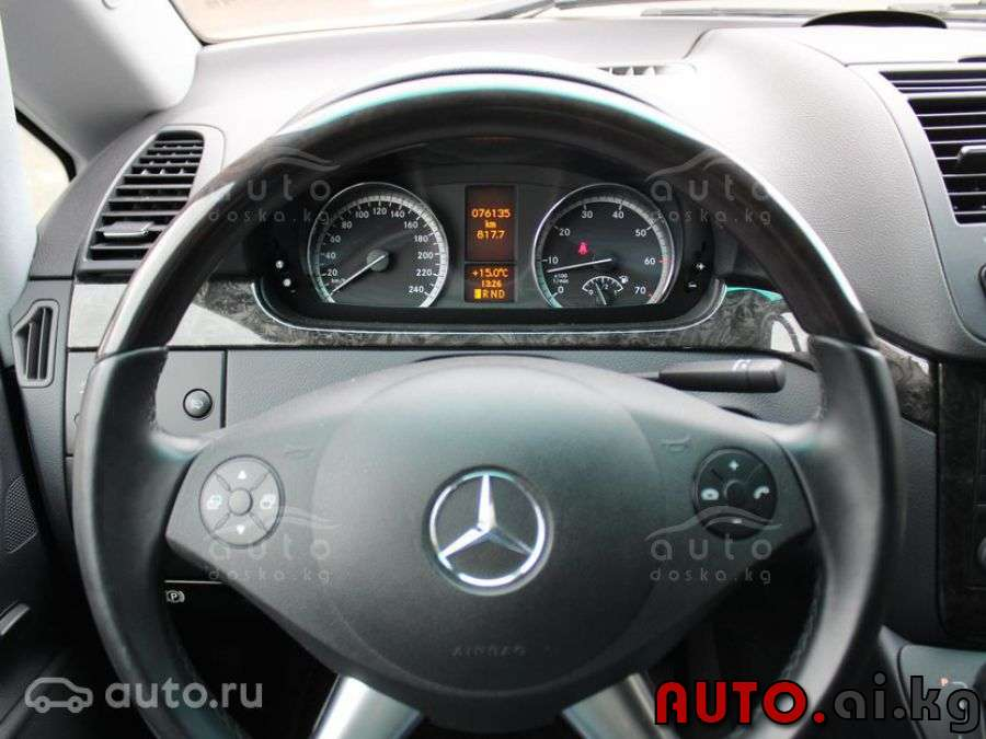 Mercedes-Benz Viano 3.5 2013 photo - 9