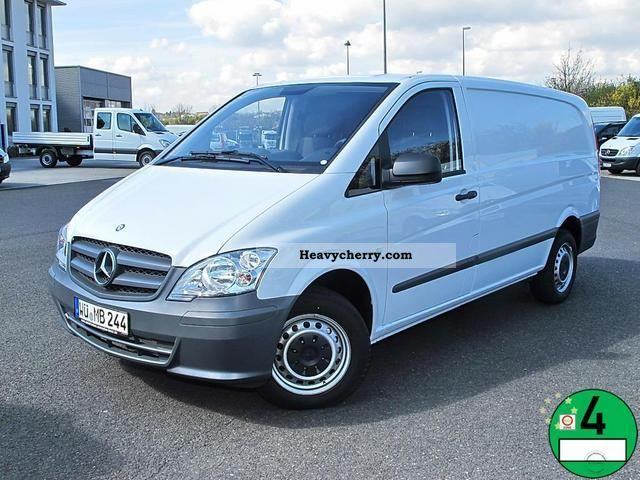 Mercedes-Benz Vito 110 2012 photo - 2