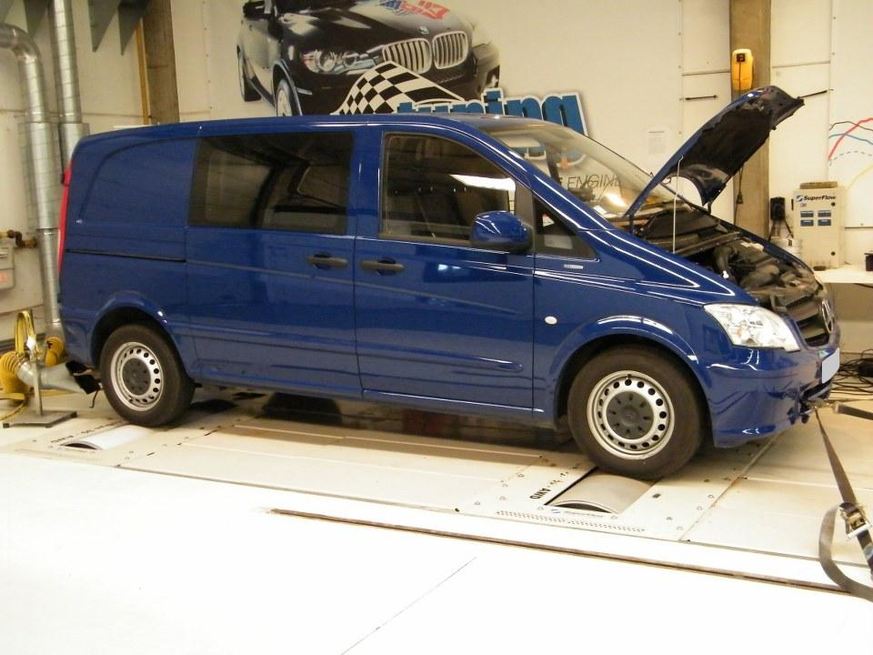 Mercedes-Benz Vito 119 2010 photo - 8