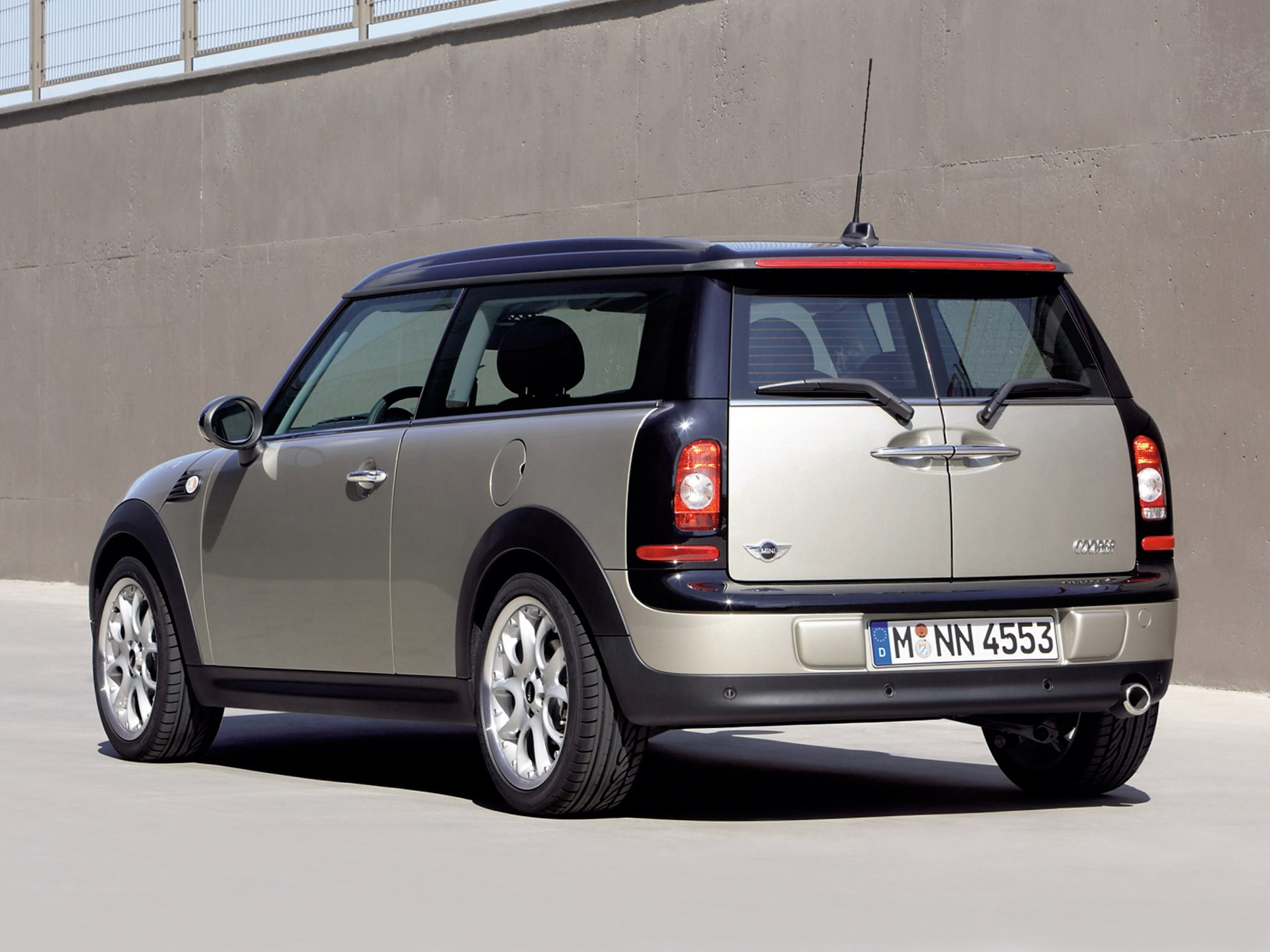 Mini Clubman 1.6 2010 photo - 1