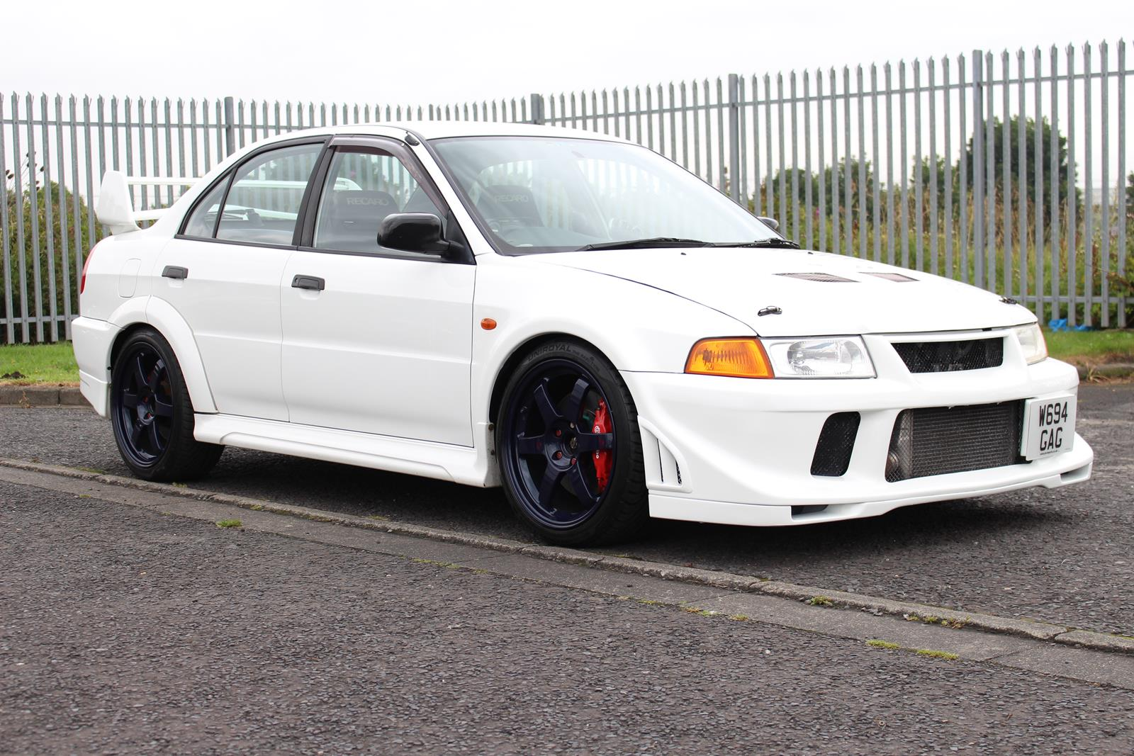 Mitsubishi Lancer Evolution 2.0 2000 photo - 12