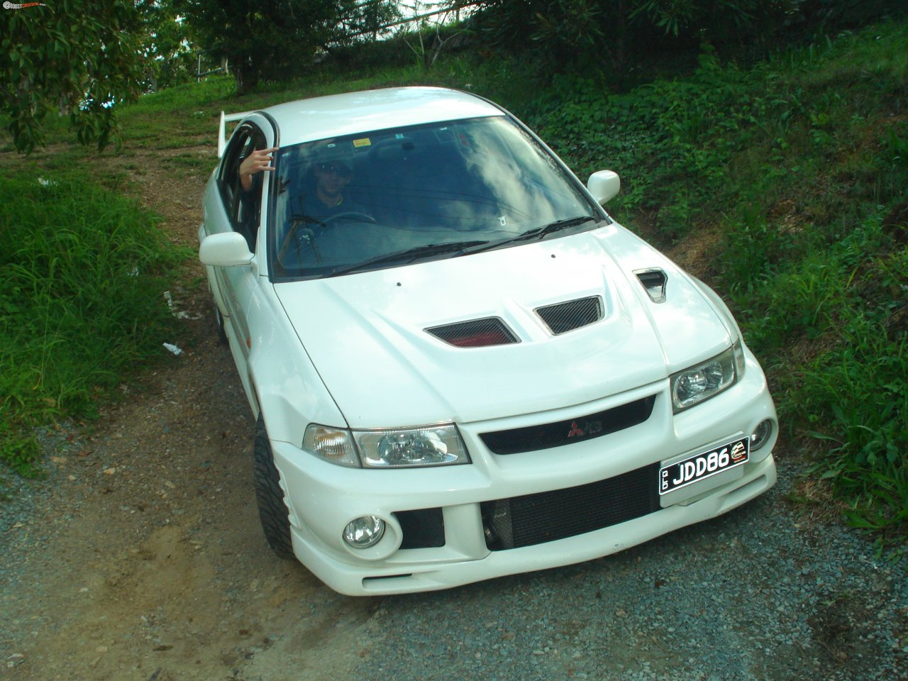 Mitsubishi Lancer Evolution 2.0 2000 photo - 3