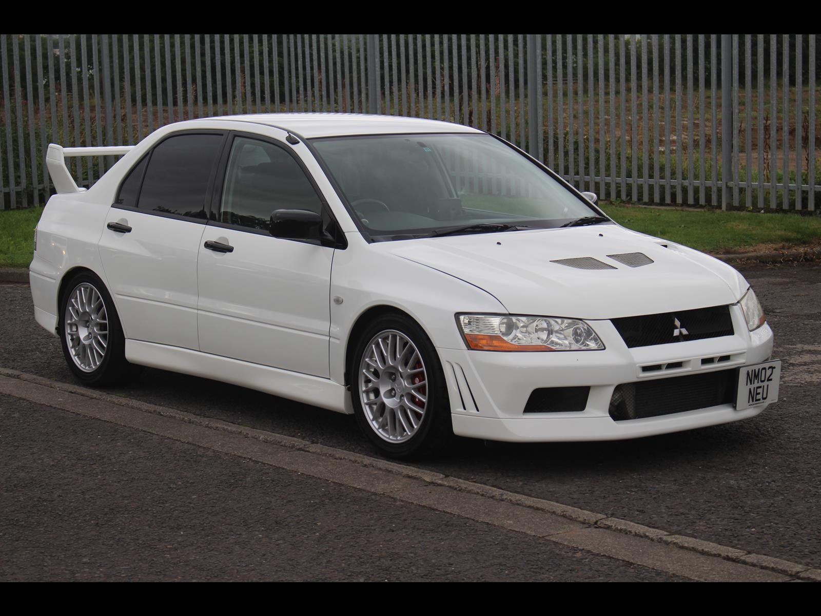 Mitsubishi Lancer Evolution 2.0 2002 photo - 11