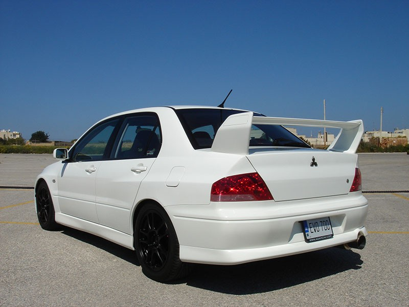 Mitsubishi Lancer Evolution 2.0 2002 photo - 8