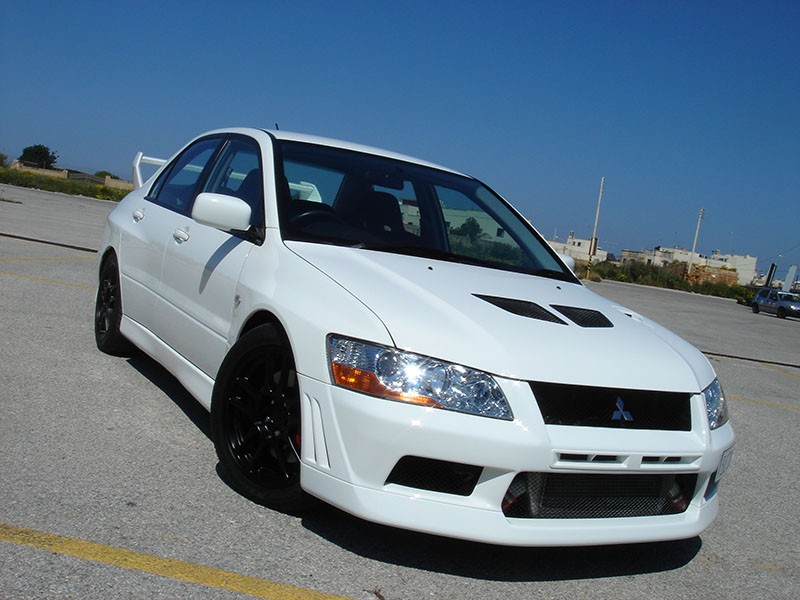 Mitsubishi Lancer Evolution 2.0 2002 photo - 9