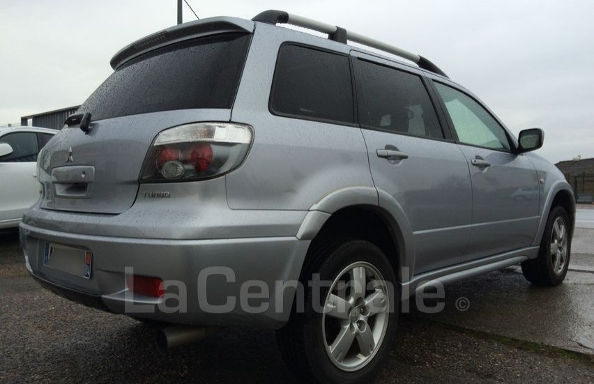 Mitsubishi Outlander 2.0 2006 photo - 12