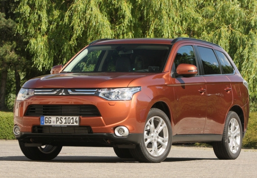 Mitsubishi Outlander 2.0 2012 photo - 10