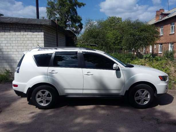 Mitsubishi Outlander 2.0 2012 photo - 11