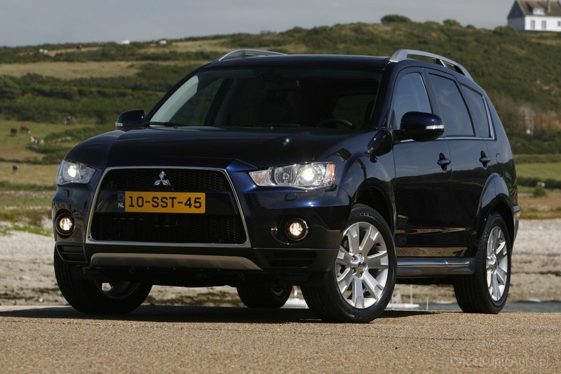 Mitsubishi Outlander 2.2 2010 Technical specifications | Interior ...