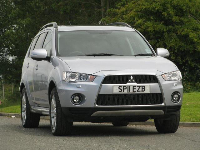 Mitsubishi Outlander 2.2 2011 photo - 1