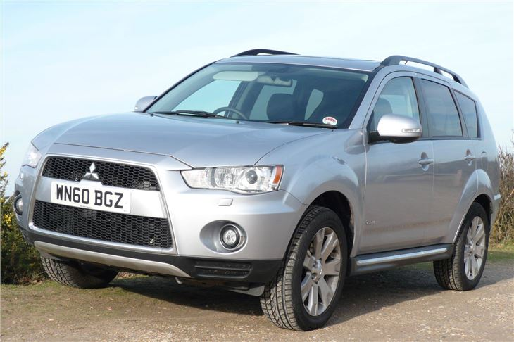 Mitsubishi Outlander 2.2 2011 photo - 12