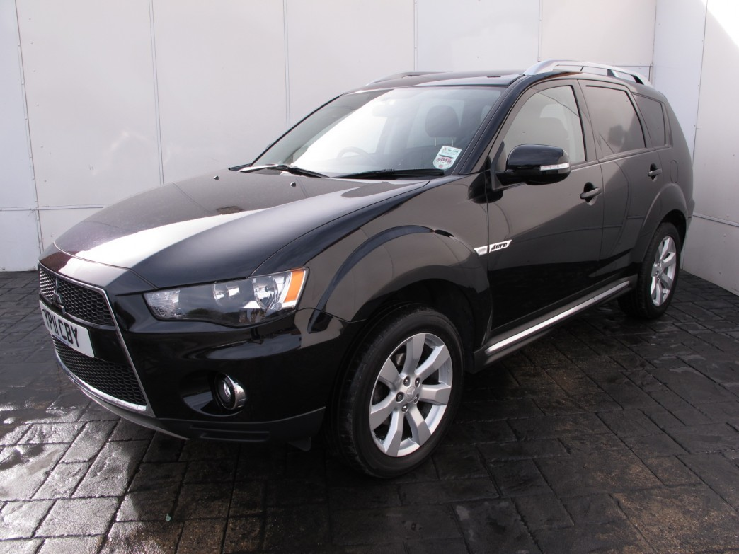 Mitsubishi Outlander 2.2 2011 photo - 3