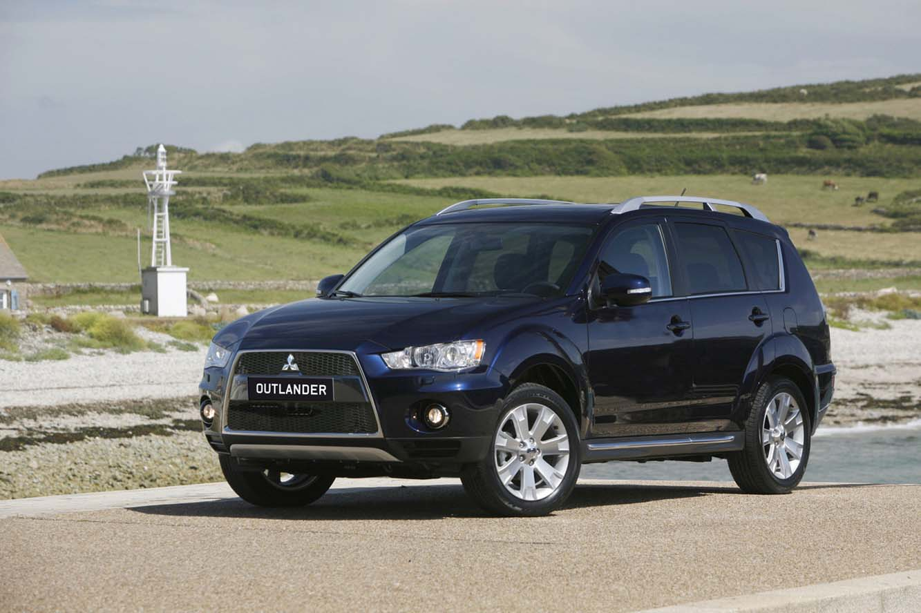 Mitsubishi Outlander 2.2 2011 photo - 4
