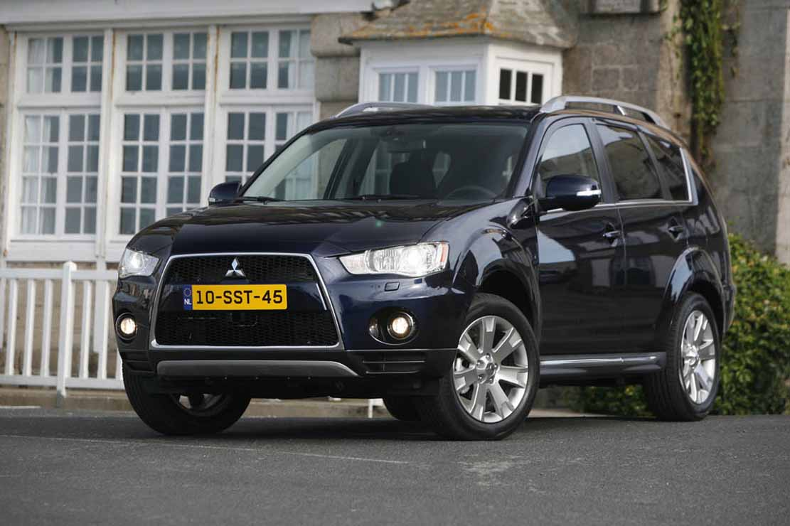 Mitsubishi Outlander 2.2 2011 photo - 7