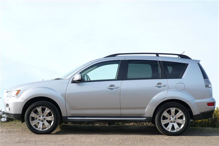Mitsubishi Outlander 2.2 2011 photo - 9