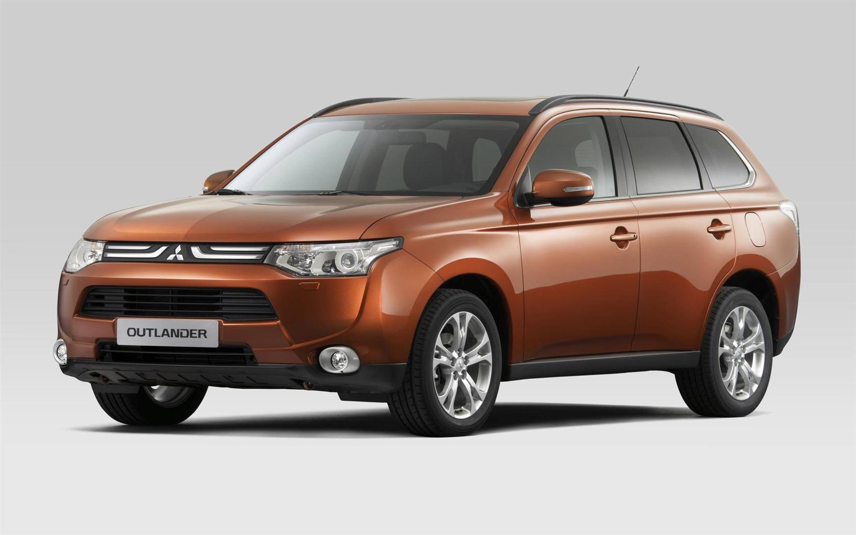 Mitsubishi Outlander 2.4 2013 photo - 11