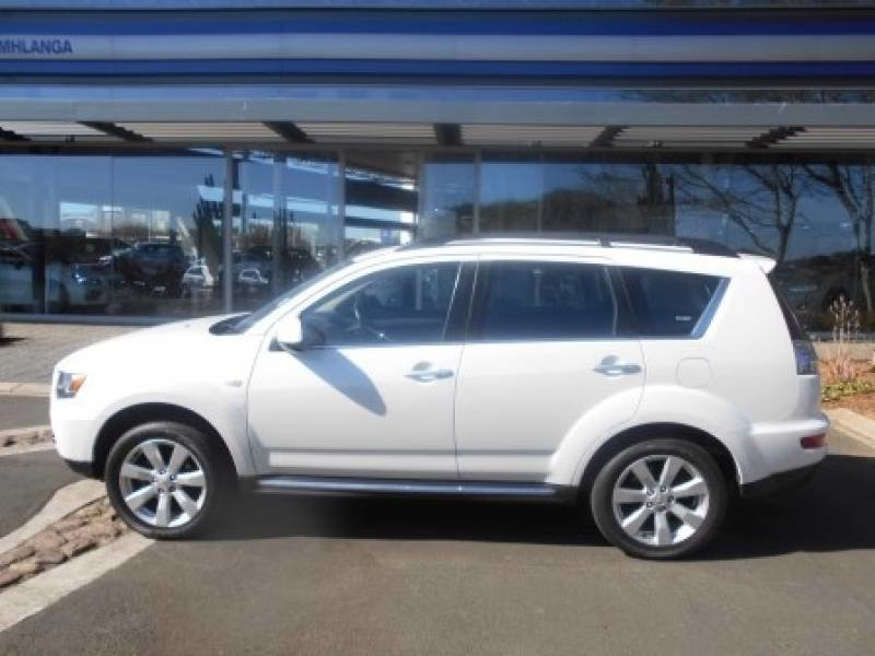 Mitsubishi Outlander 2.4 2013 photo - 2