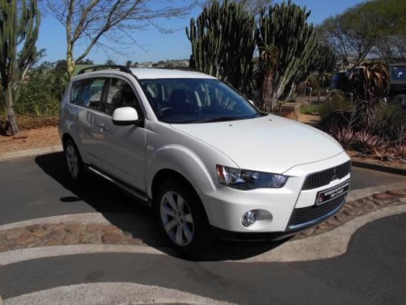 Mitsubishi Outlander 2.4 2013 photo - 4