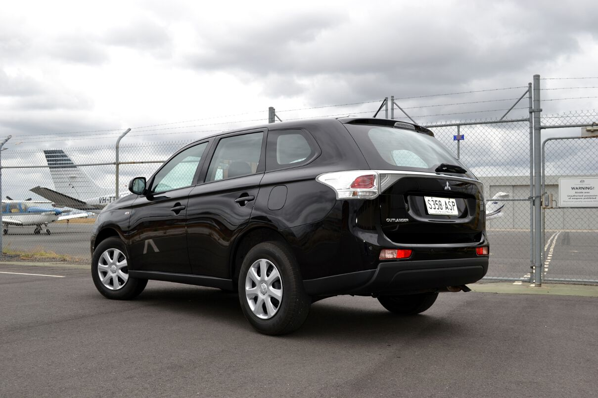 Mitsubishi Outlander 2.4 2013 photo - 6