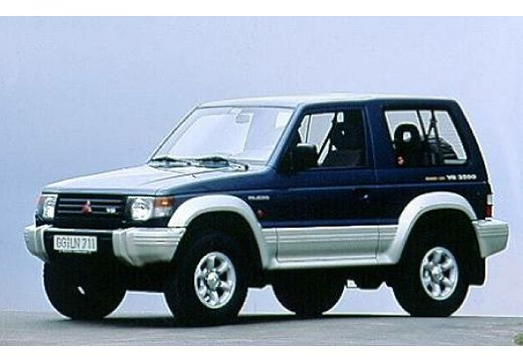 mitsubishi pajero 3 0 1983 technical specifications. Black Bedroom Furniture Sets. Home Design Ideas