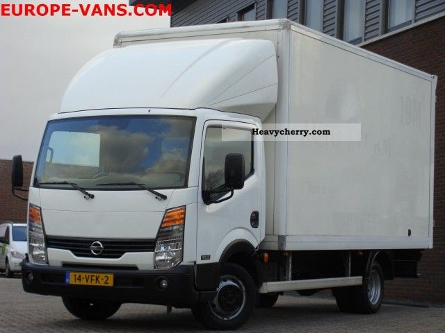 Nissan Cabstar 2.7 2007 photo - 1