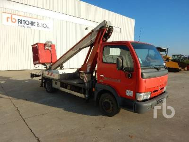 Nissan Cabstar 2.7 2007 photo - 10