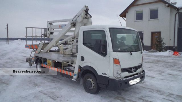 Nissan Cabstar 2.7 2007 photo - 6