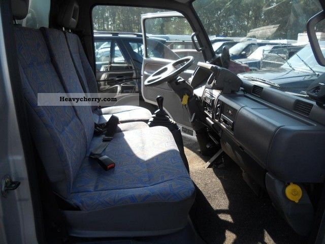 Nissan Cabstar 2.7 2007 photo - 9