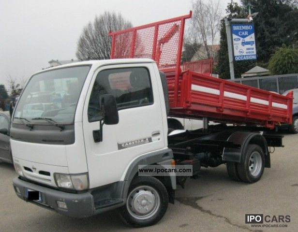 Nissan Cabstar 3.0 2011 photo - 1