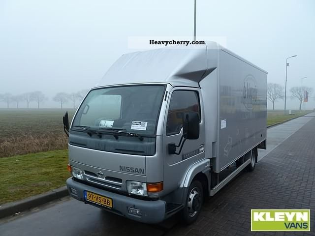 Nissan Cabstar 3.0 2011 photo - 10