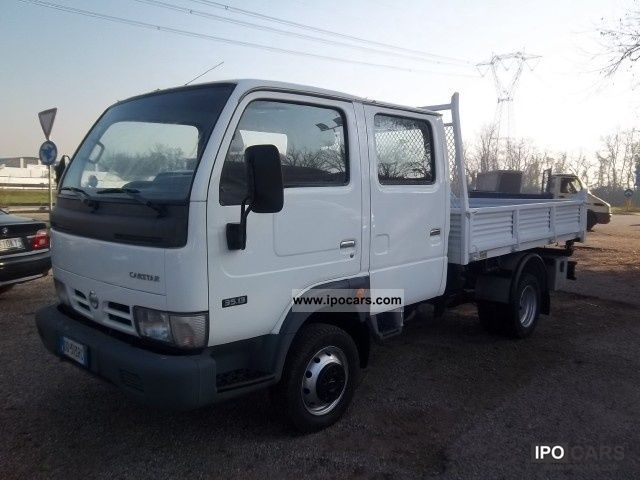 Nissan Cabstar 3.0 2011 photo - 11