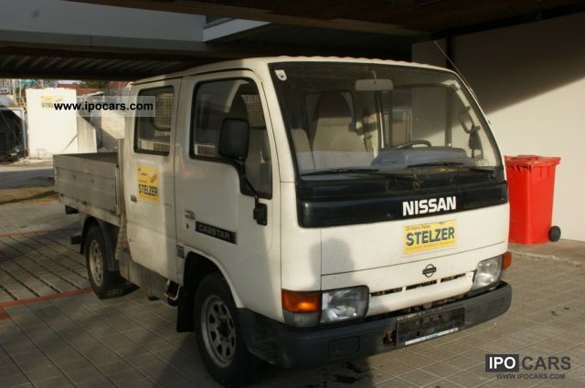 Nissan Cabstar 3.0 2011 photo - 2