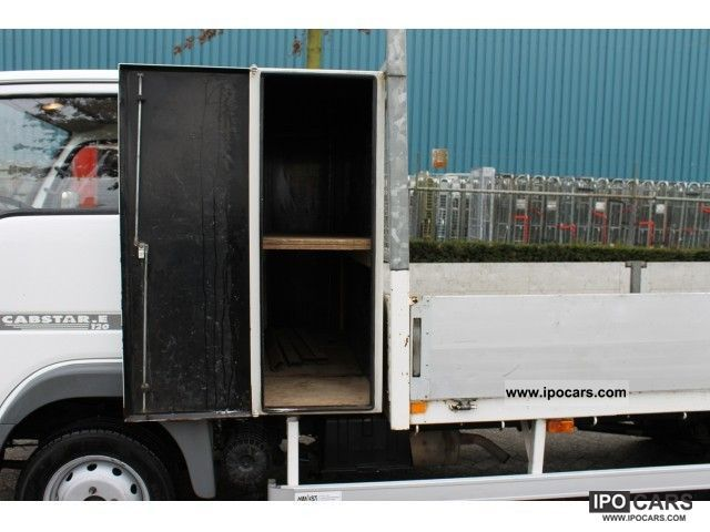 Nissan Cabstar 3.0 2011 photo - 4