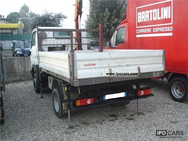 Nissan Cabstar 3.0 2011 photo - 6