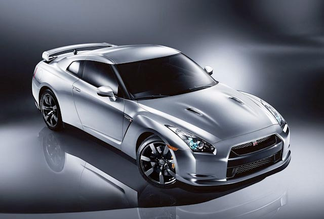 Nissan GT-R 3.8 2010 photo - 11