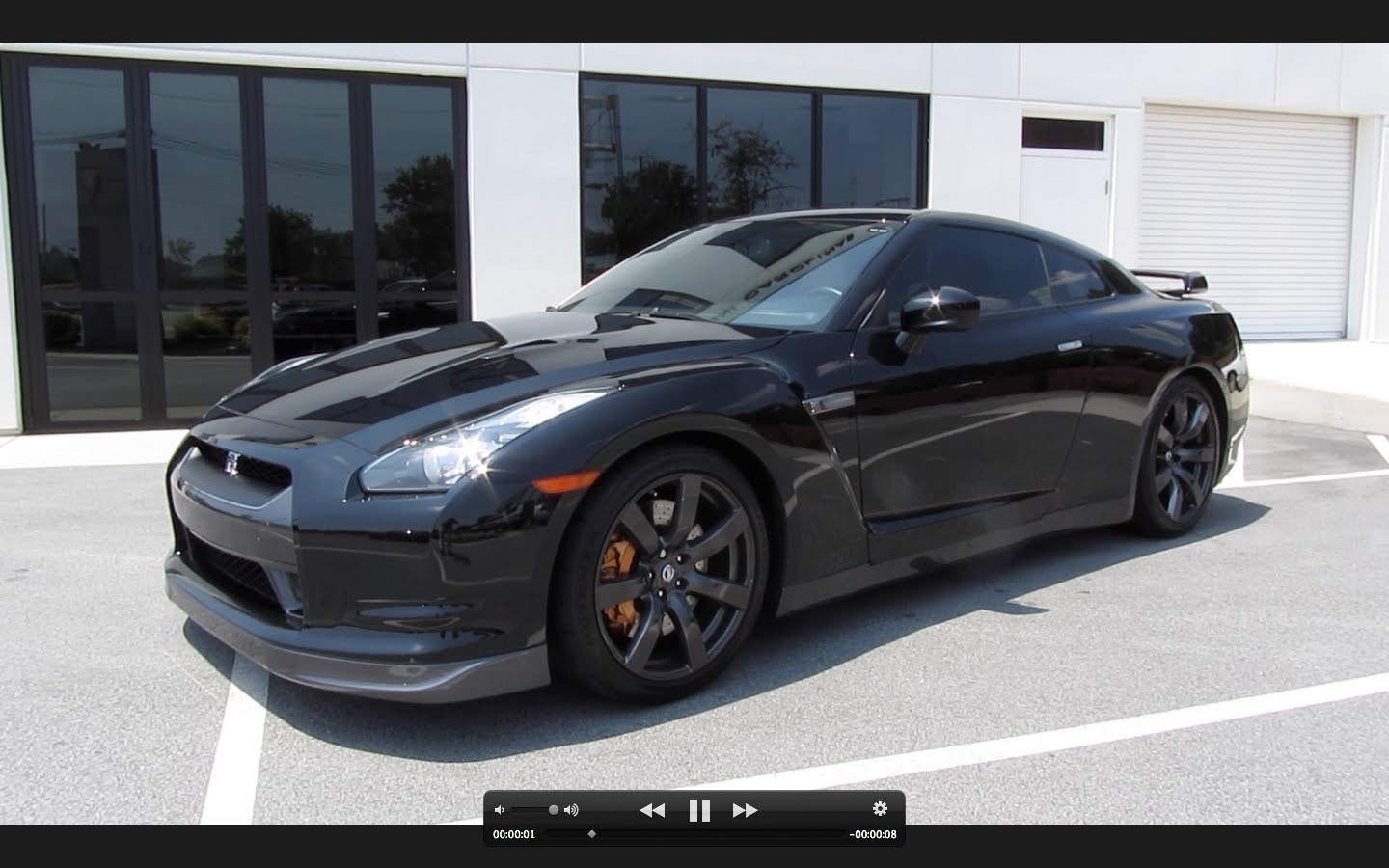 Nissan GT-R 3.8 2010 photo - 2