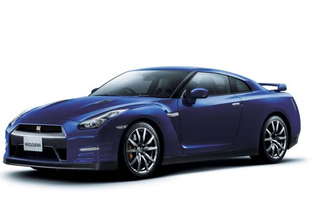 Nissan GT-R 3.8 2012 photo - 10