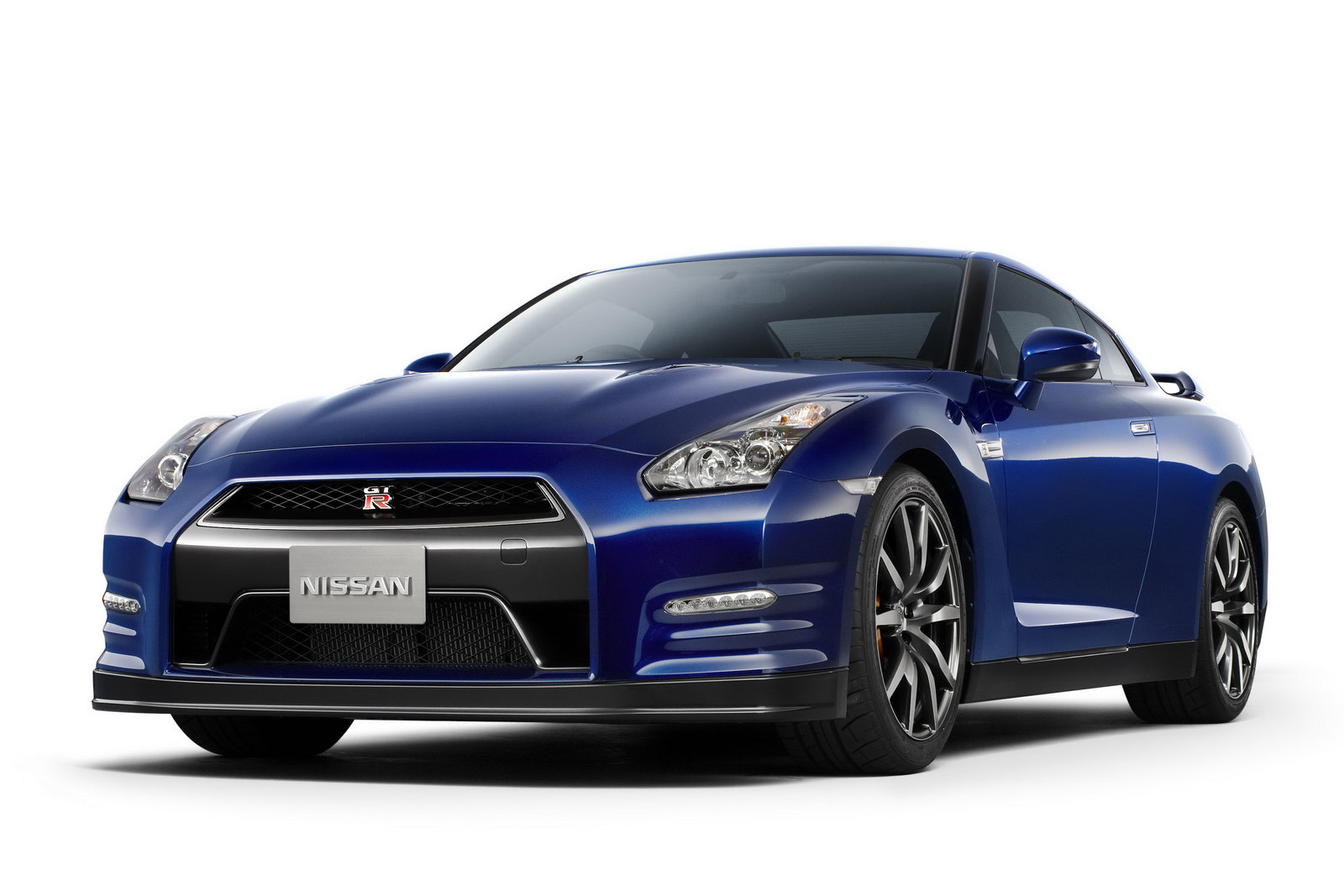 Nissan GT-R 3.8 2012 photo - 12