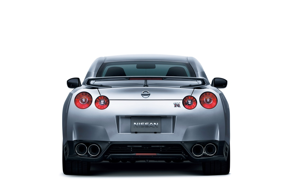 Nissan GT-R 3.8 2012 photo - 3