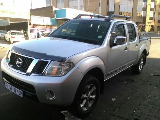 Nissan Navara 2.5 2014 photo - 1