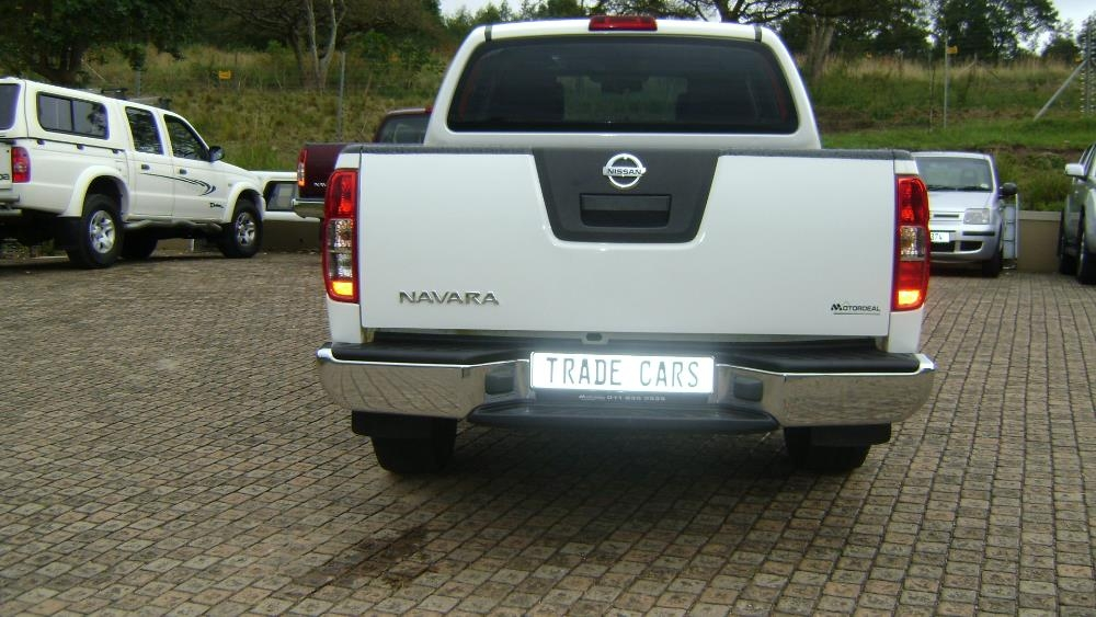 Nissan Navara 2.5 2014 photo - 3
