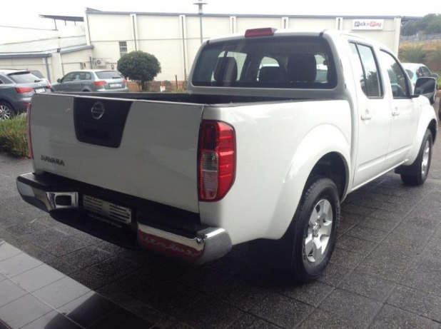 Nissan Navara 2.5 2014 photo - 5