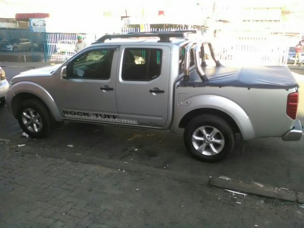 Nissan Navara 2.5 2014 photo - 7