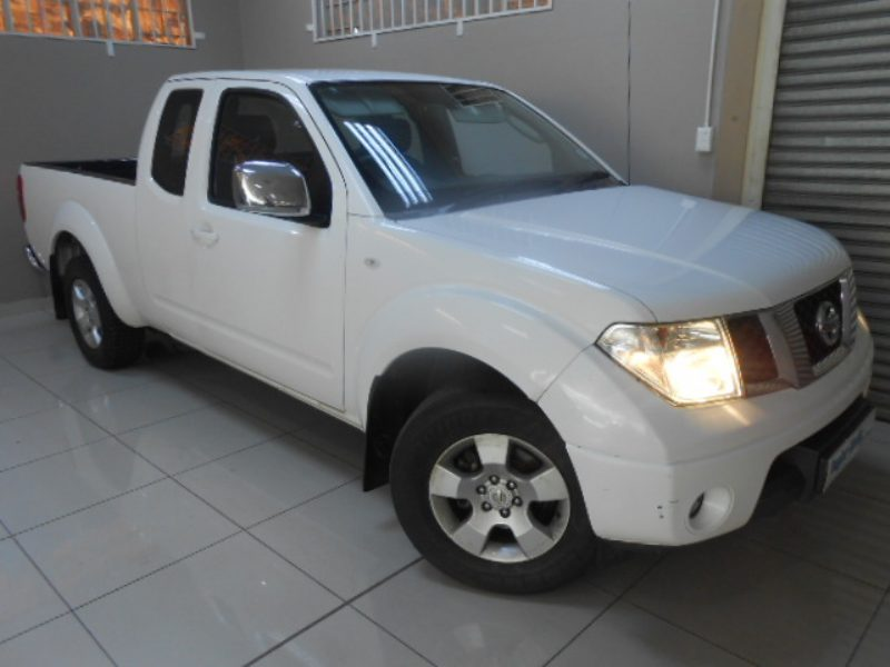 Nissan Navara 2.5 2014 photo - 9