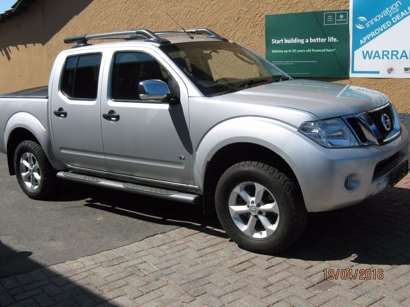 Nissan Navara 3.0 2011 photo - 1