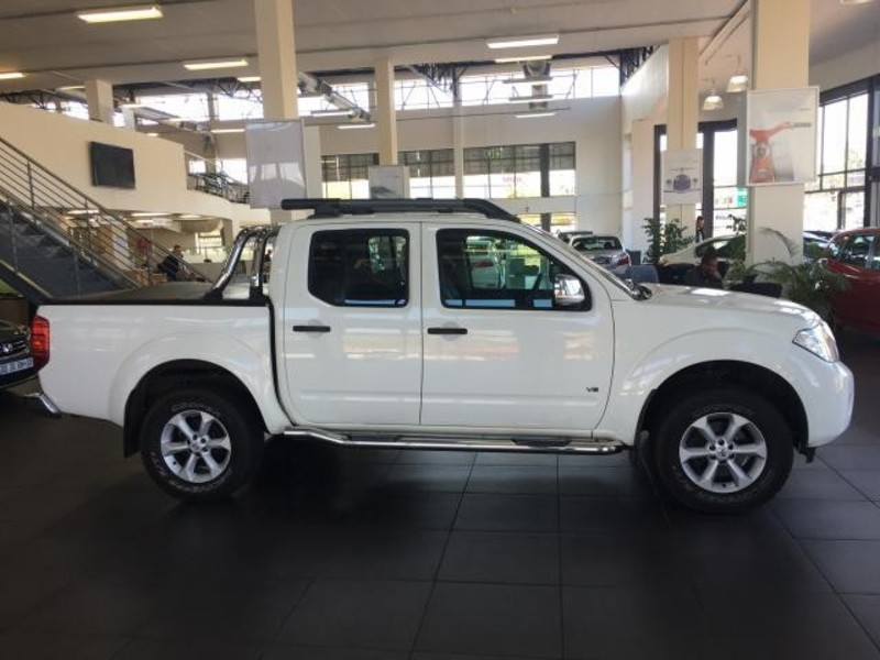 Nissan Navara 3.0 2011 photo - 11