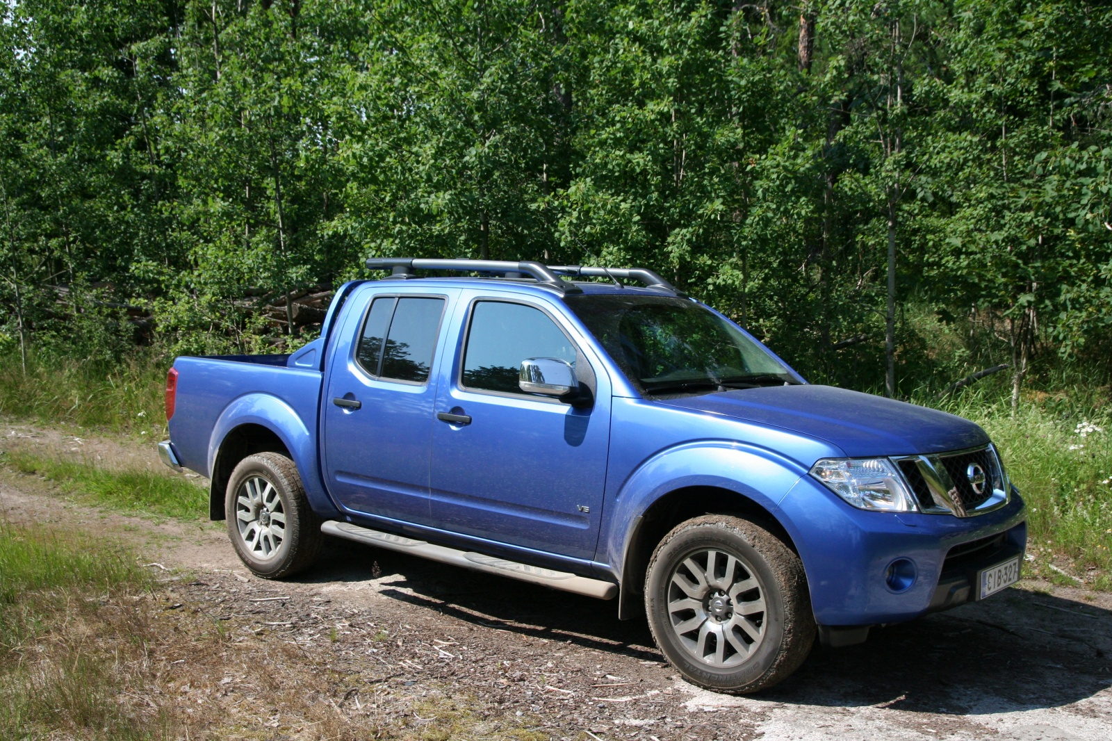 Nissan Navara 3.0 2011 photo - 2